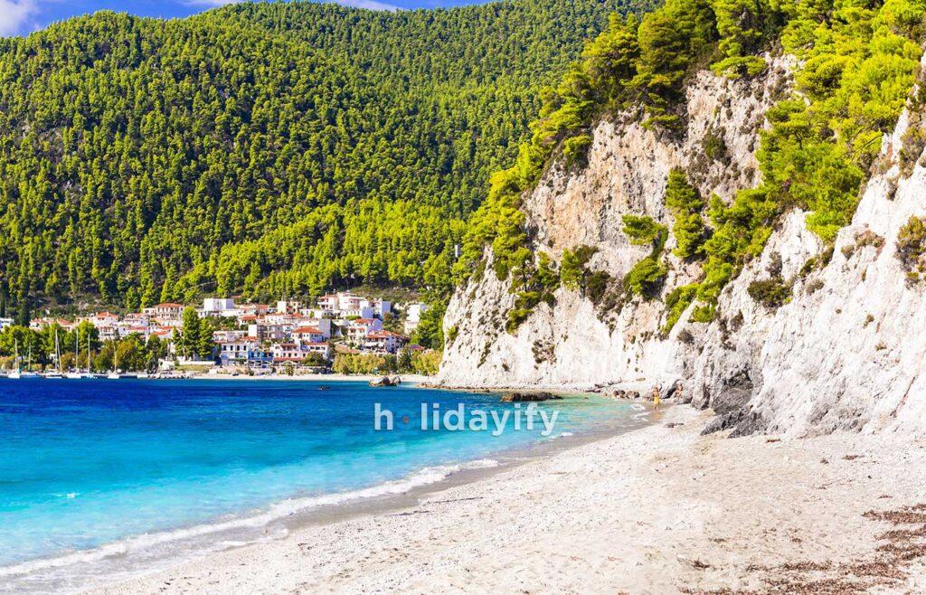 Hovolos plajı ve Neo Klima Köyü, Skopelos