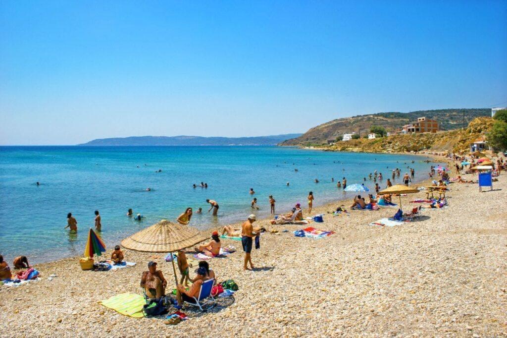 Megas Limnionas plajı