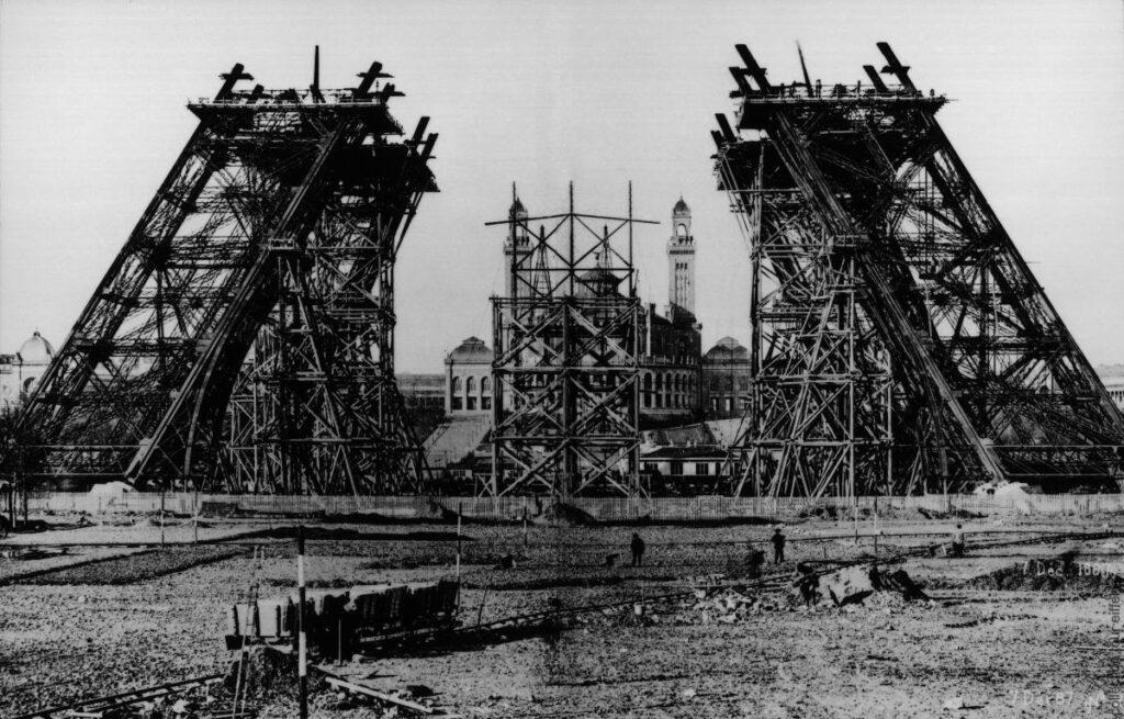 Eyfel Kulesi ne zaman yapıldı