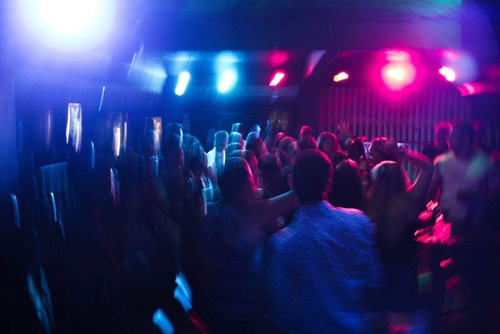 Santorini gece kulüpleri