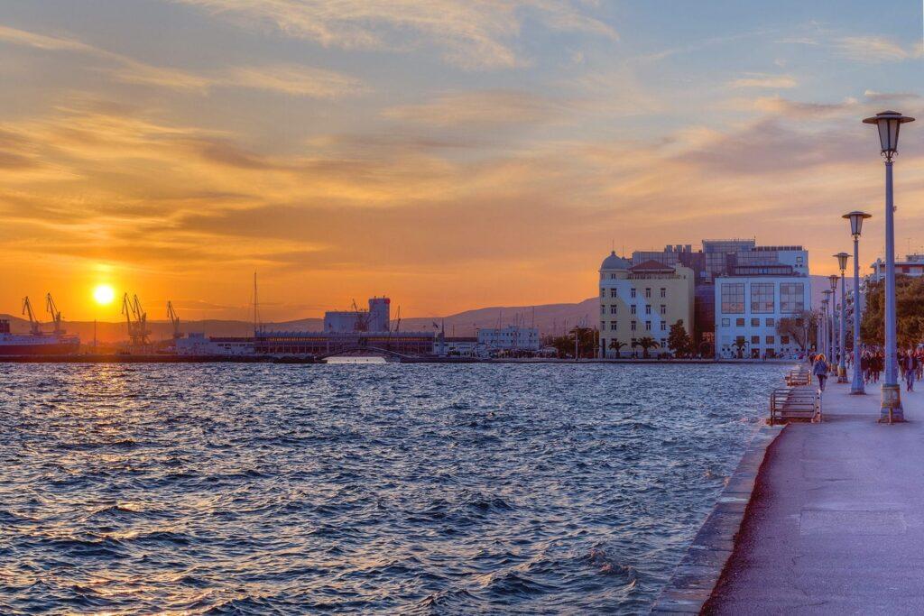 Volos Şehrinde Günbatımı, Yunanistan