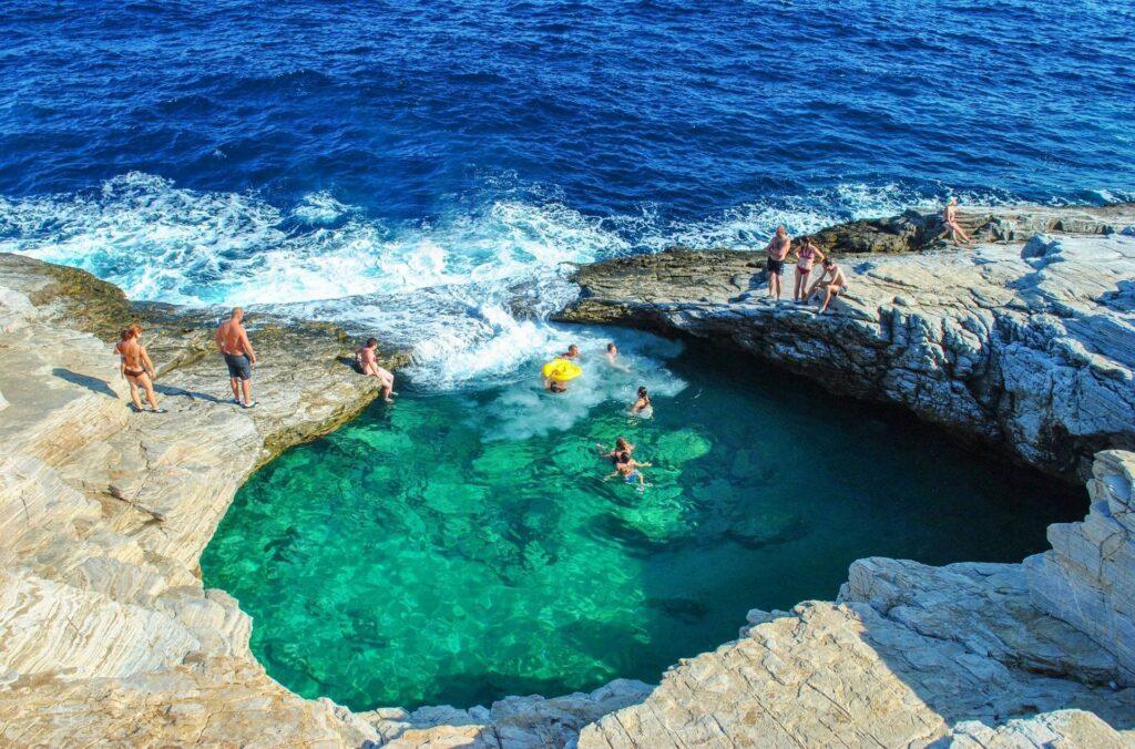 Thassos Adası