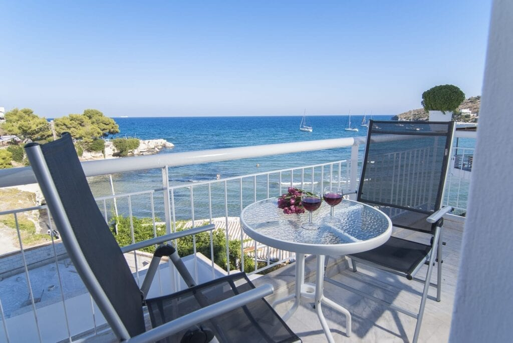Aegina Adasında Kalınacak Yerler - Aegina Otelleri