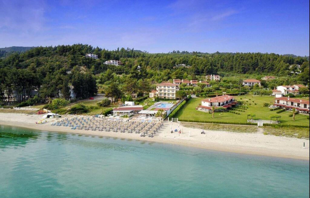 Azur Sea Food Restaurant in Polychrono