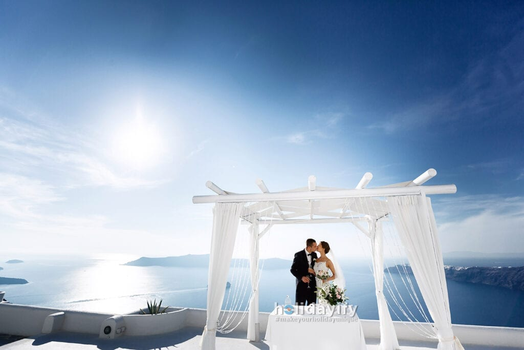Marriage proposal in Santorini