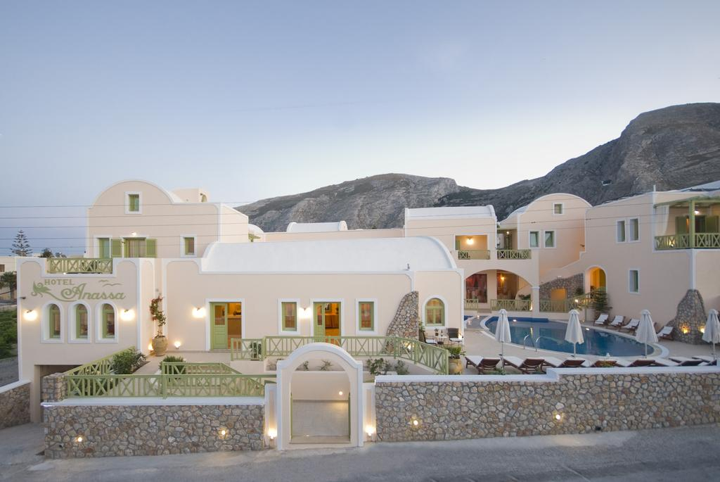 Anassa Deluxe Suites, Beach Hotels in Santorini
