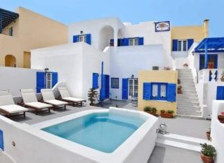 Cheap Hotels in Santorini