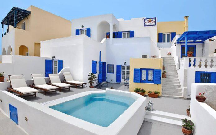 Santorini Ucuz Otel Tavsiyeleri