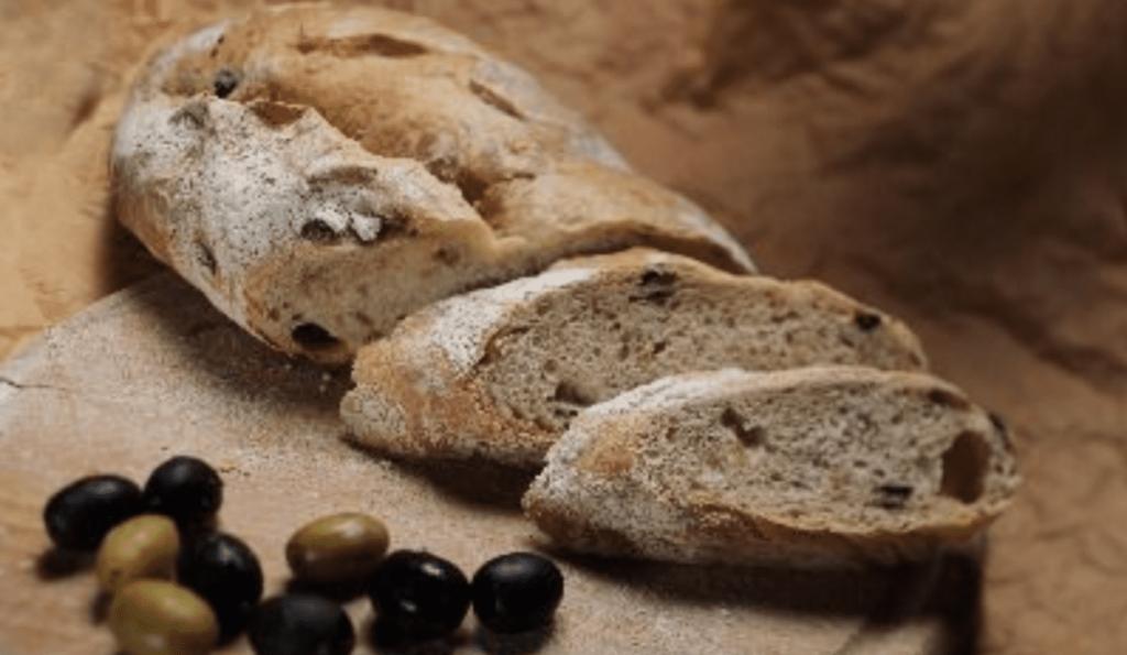 Eliopsomo: Greek Olive Bread