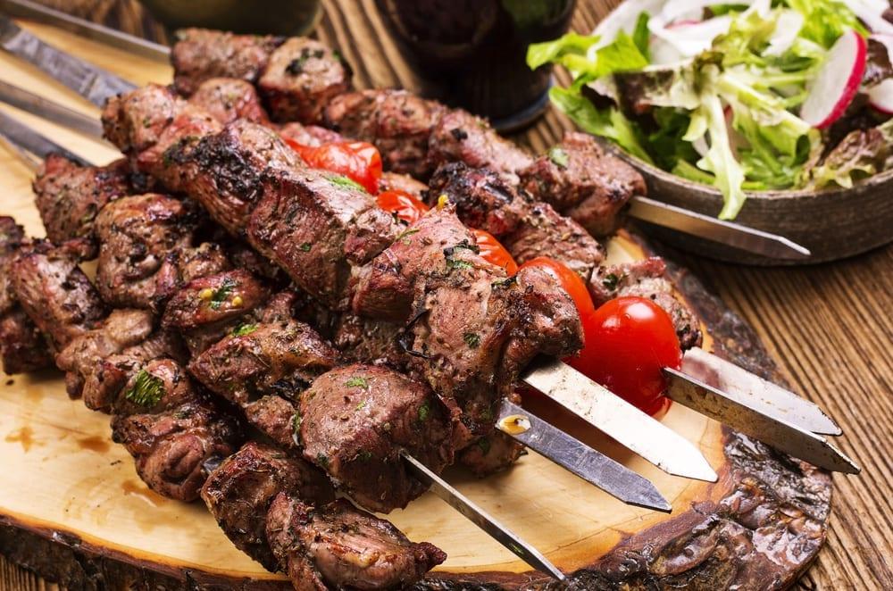 Souvlaki (Şiş Kebap) - Yunan Yemekleri