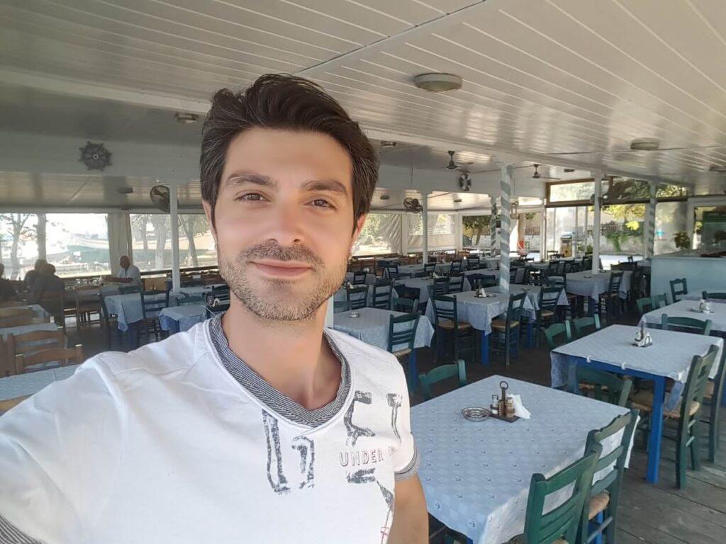 Greek Tavern, welcomes you in Rhodes Island
