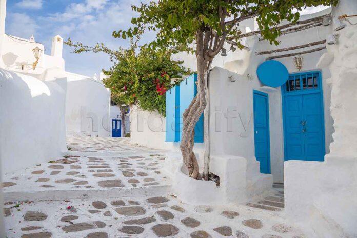 Cheap Hotels in Mykonos