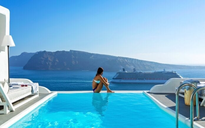 Best Santorini Beach Hotels