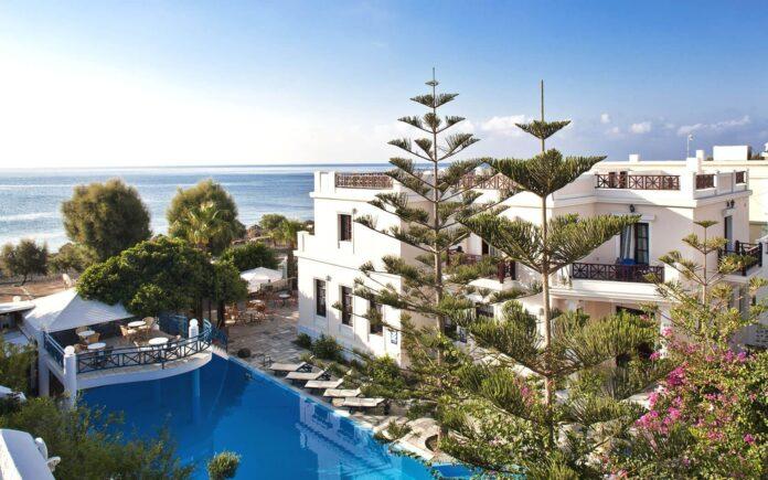 Veggera Hotel in Perissa, Santorini Hotels